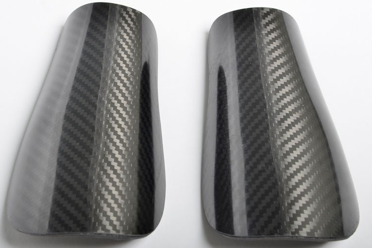 Custom 100% carbon fiber soccer shinguard for professional team