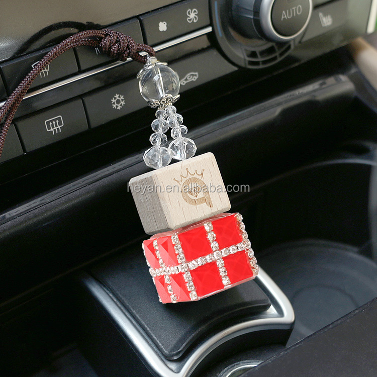New style charming Handmade Dimond Car air freshener hanging glass perfume bottle /car perfume bottle