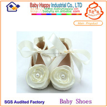 Shenzhen factory white baby shoes with ribbons for girls