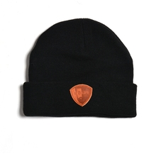 custom adults men embossed LOGO PU leather patch acrylic cuffed knit hat men winter cable beanie cap