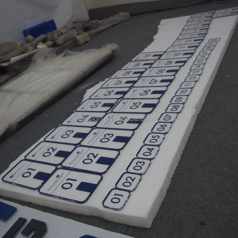 Fashion silk printing door sign acrylic number plates manufacturer