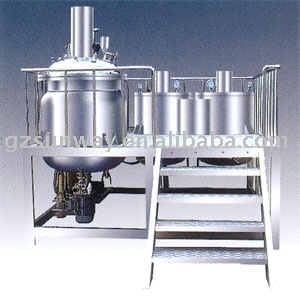 Vacuum homogenizing machine