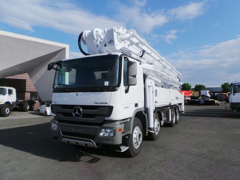 Mercedes Benz - Concrete Pump