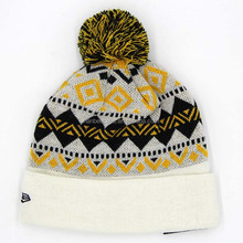 hot selling winter ski sport knitted pom pom jacquard beanie hat