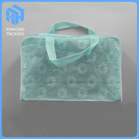 New design pvc handle bags/Plastic Pvc Travel Cosmetic Make Up Toiletry Bag/Zipper Top Cheap Cosmetic Bags