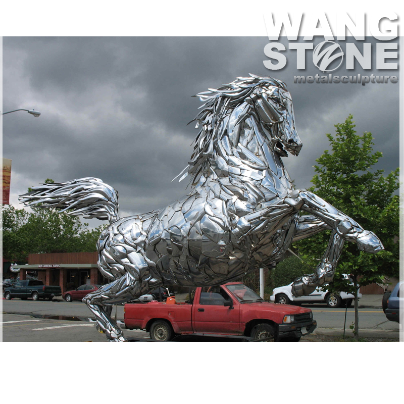 Life Size Outdoor Running Antique Horse Statue Metal