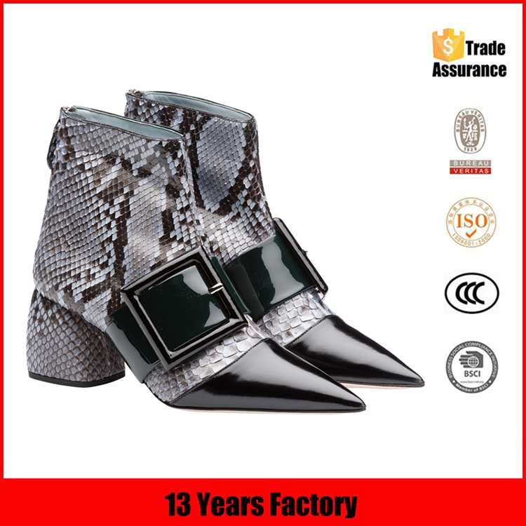 china wholesale women boots/leather upper rubber bottom boots/middle-aged women shoes