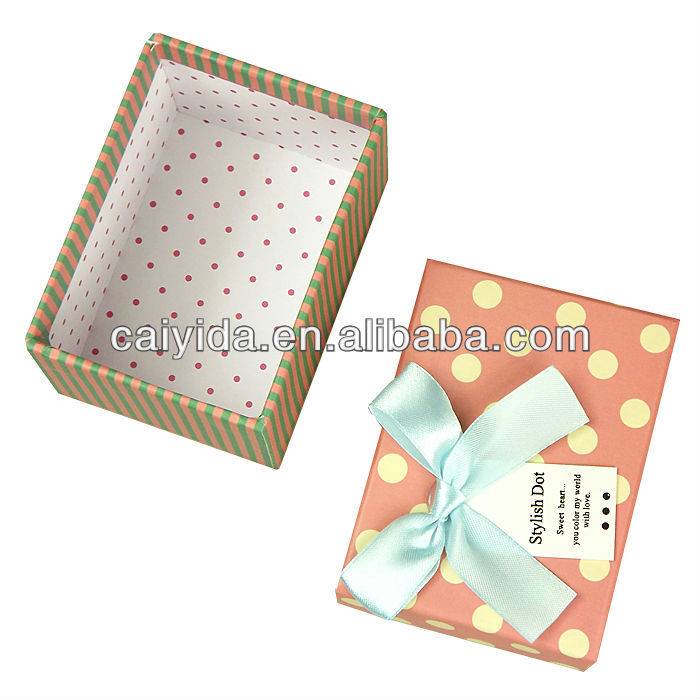 Beautiful gift paper box/small thing carrier box