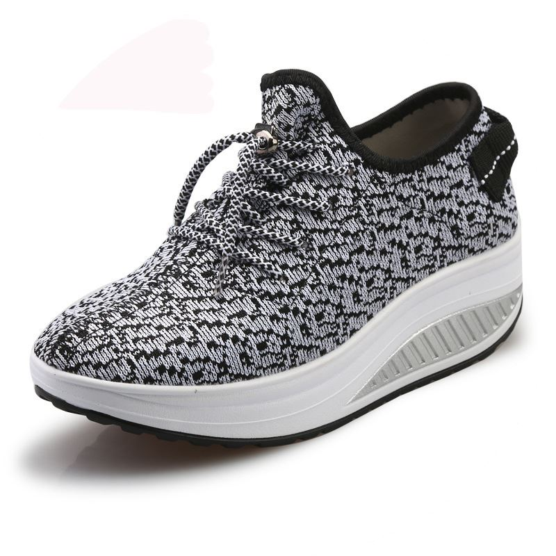New design ladies leisure jogging walking shoes breathable straps hollow shake platform shoes