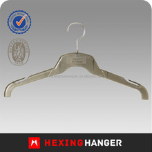 Hexing 2014 matte surface round hook plastic apparel/clothes hanger with anti-slip notches