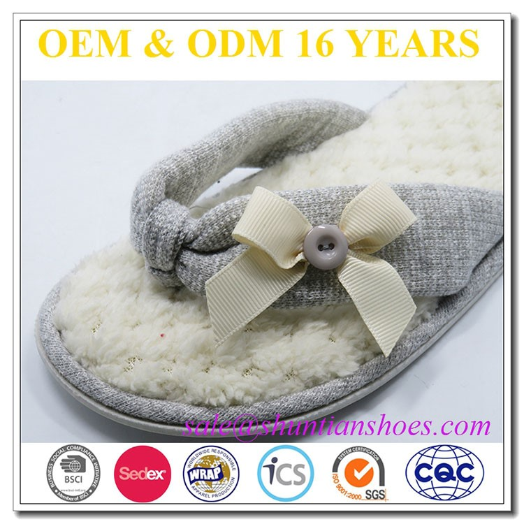 Fashion bow fuzzy plush flip flop slipper for women