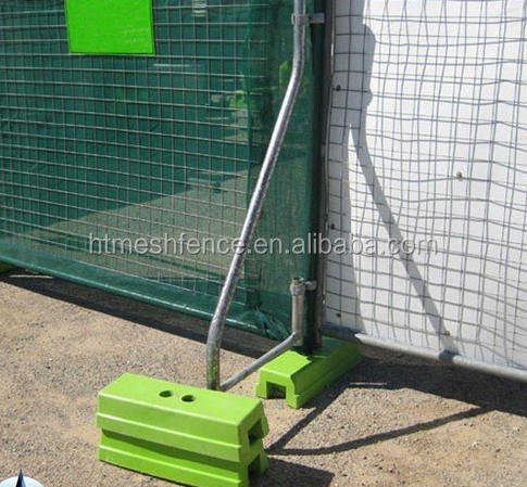 AS 4687 standard 2.1x2.4m temporary fence with concrete base