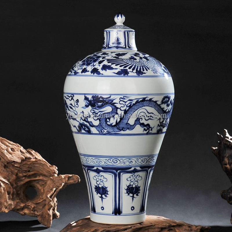 ANTIQUE CHINESE YUAN DYNASTY BLUE AND WHITE DRAGON CERAMIC VASE GINGER JAR