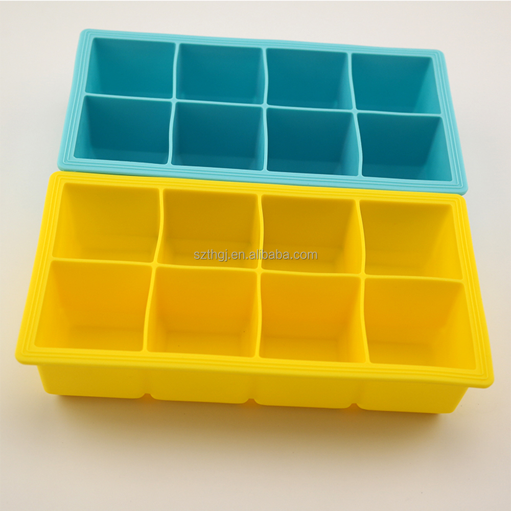 Hot Selling BPA free 8 square ice storage box shaped silicone ice cube tray for summer season