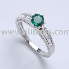 Ring of Emerald and diamonds