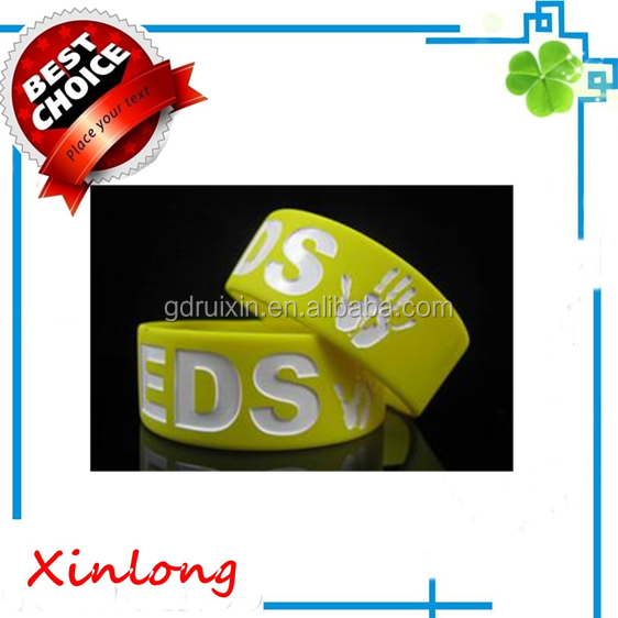 one inch hot sale debossed silicone bracelets for promotion gift