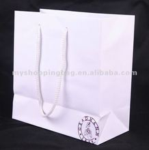 2017 Customized Paper Shopping Bag in white color with 1c logo