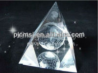 2015 transparent 3d laser crystal pyramid model,glass pyramid model with customize logo
