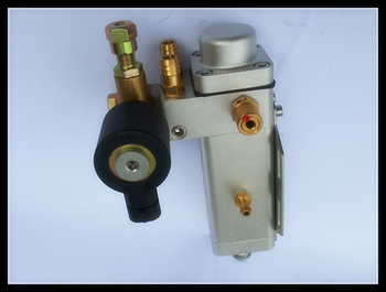 CNG LNG engine fuel pressure regulator for diesel bus and truck