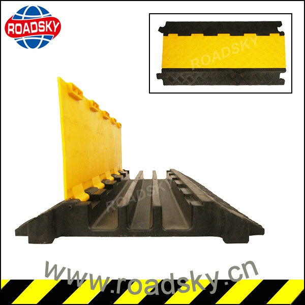 Roadway Rubber Cable Speed Bump With High Quality