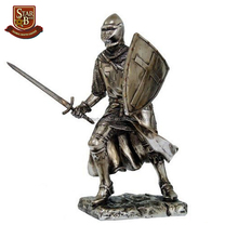 High quality polyresin retro metallic old roman knight figurines with high quality
