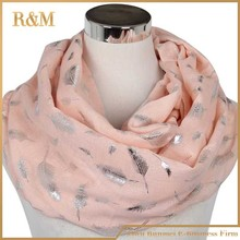 sweden circular neck scarf with leaf print