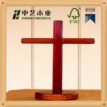 2015 new design FSC&SA8000 approved pink religious wood stand Cross carved wood cross for sale