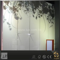Decorative pattern glass wall panel