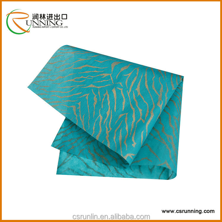Wholesale stripe printed linghted non woven polypropylene fabric in sheets