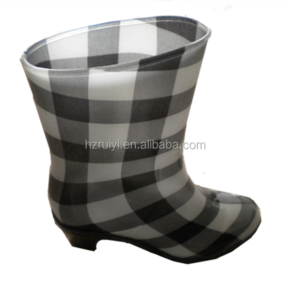 fashion lady plaid pvc rain boots,outdoor water shoes,wear-resistant working boots