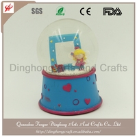 High Quality Resin Customized Snow Globe,Water Globe Human Snow Globe