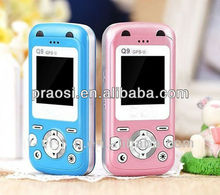 very small size baby mobile phone/ cheap china hot sale kids phone/ GPS real time tracker phone
