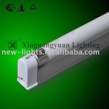 T5 fluorescent lamp lighting fixture with aluminum casing