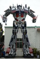 Guwei 2014 new design metal craft 2m to 8m height transformers optimus prime