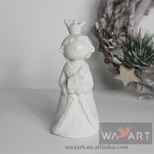 Holly Navitity Ceramic King Statues