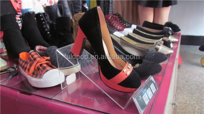 New design store use acrylic sign holder for shoes display