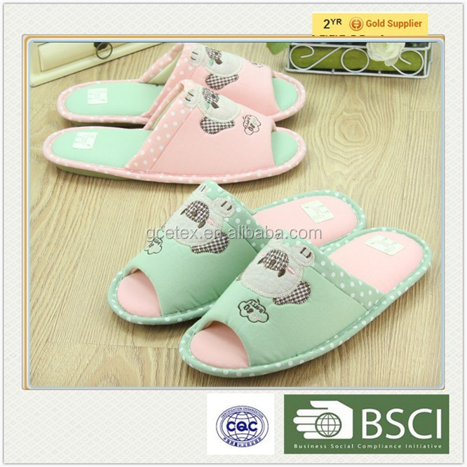 GCE1329 Wholesale cute cartoon design indoor dinosaur fashion <strong>slipper</strong> popular in Japan