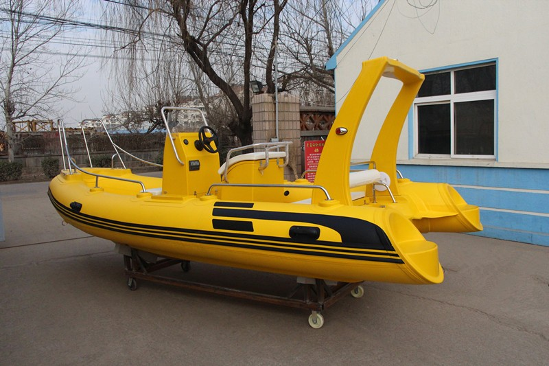 2017 popular 520cm fiberglass fishing boat with complete accessories for sale