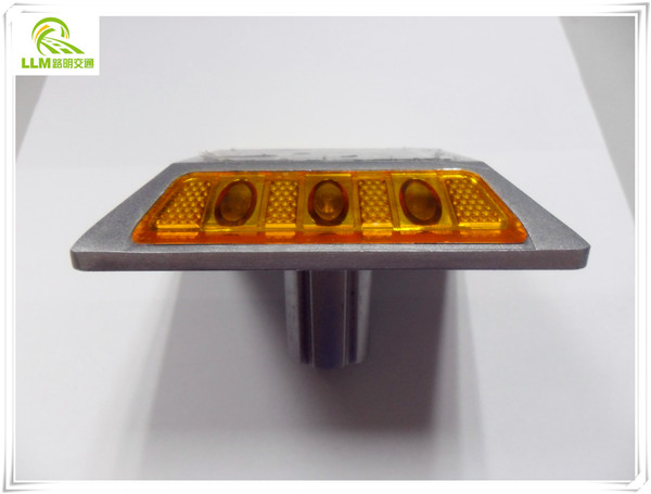 Aluminum IP 68 solar Reflective road stud for road safety equipment