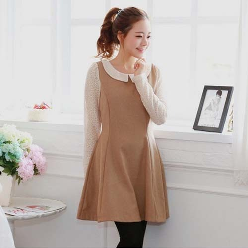 W1063 lace sleeve hollow decoration wool long sleeve camel doll collar dress