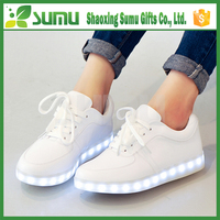 china factory directly supply fashionable soft led shoes women