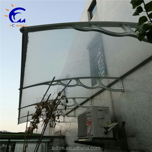 ISO quality guarantee hot sale outdoor waterproof polycarbonate retractable window awning