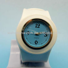 Promotion gift best price quartz silicone slap on watch