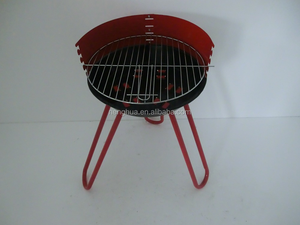 Simple pedestal charcoal BBQ smoker