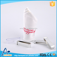 Eco friendly disposable comfortable plastic PS hotel dinner napkin