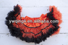 Boutique Wholesale Baby Halloween Clothes Kids Super Fluffy Beautiful Orange With Black Pettiskirt for Girls