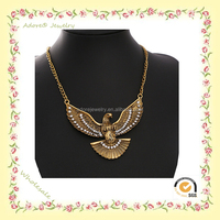 Wholesale Antique Gold Alloy Eagle Necklace with Rhinestones Pendant Necklace