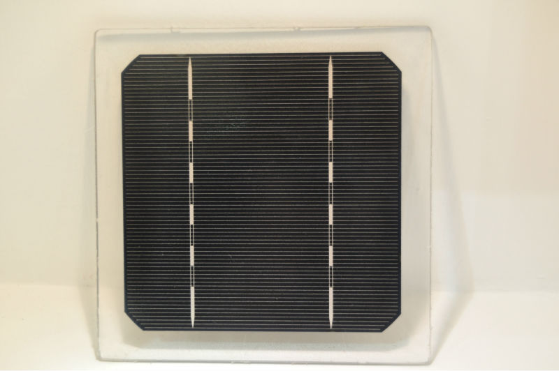 No color difference back contact solar cells