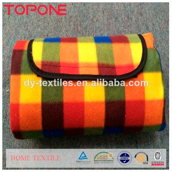 Cheap portable cotton material waterproof picnic polyester blanket