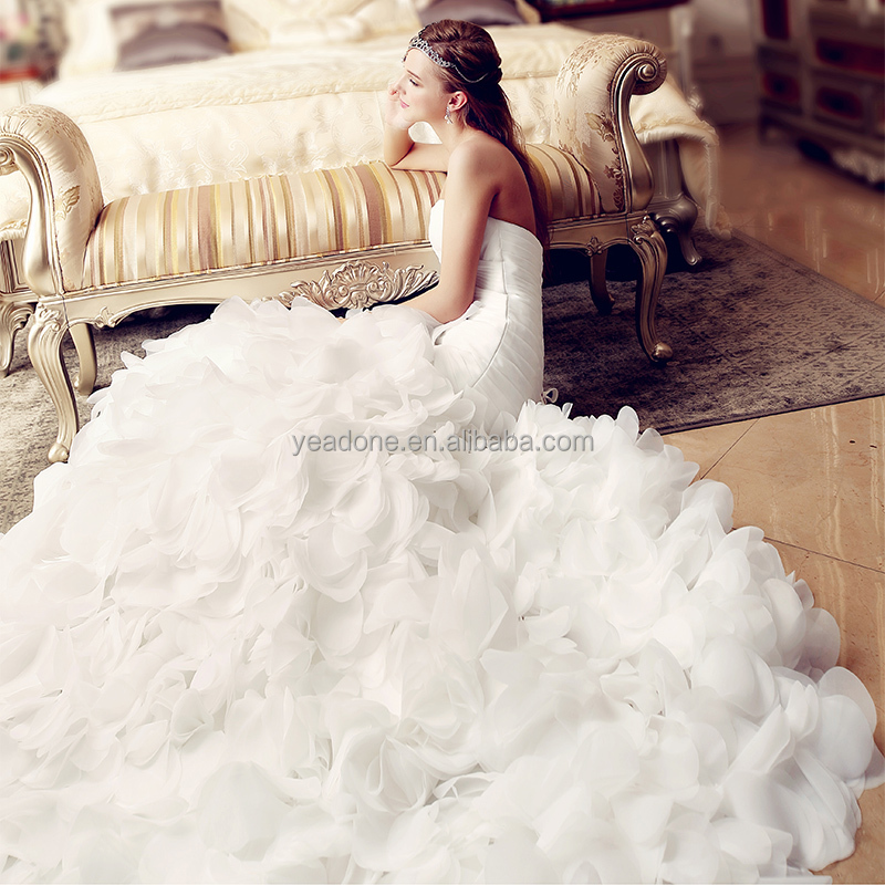Wholesale Luxury Petal Wedding Dress Ruffle Off-shoulder Strapless Sheath Bridal Gowns